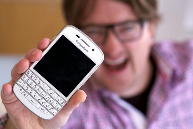 blackberry_q10_white
