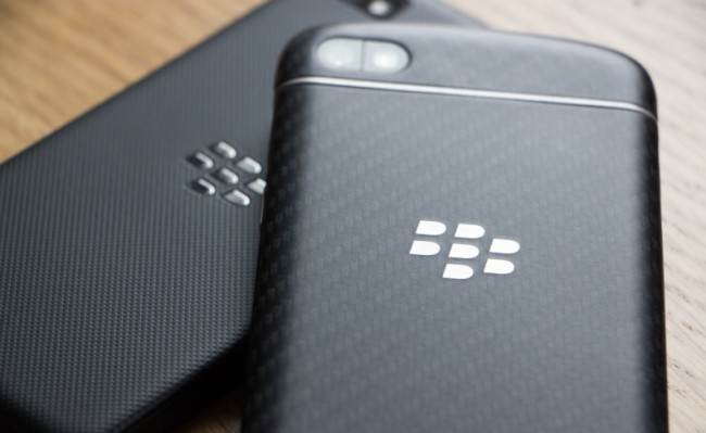 blackberry-z10-q10-backs