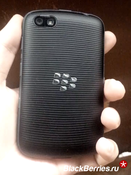 BlackBerry-9720-8