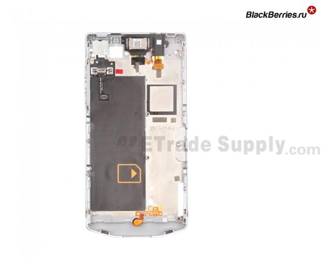 BlackBerry-Z10-Porsche-Edition-Middle-Plate-2