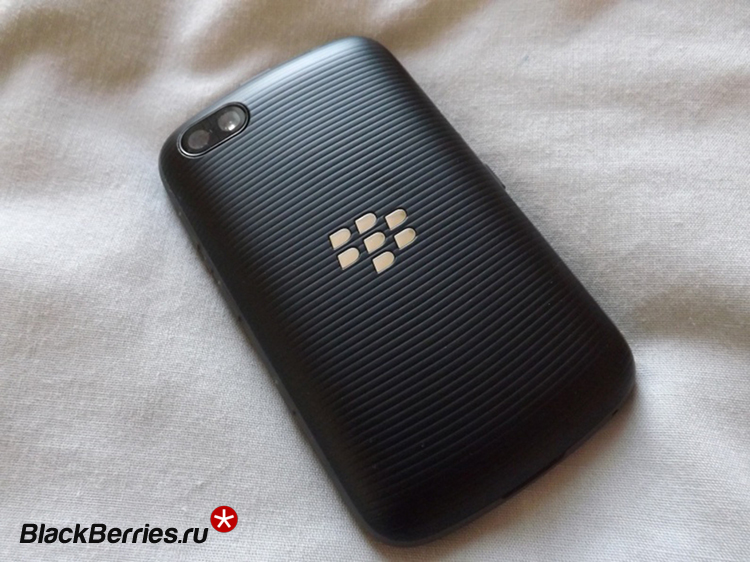 blackberry-9720-2