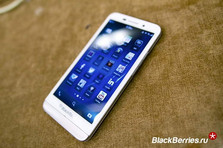 blackberry-z30-white-2b