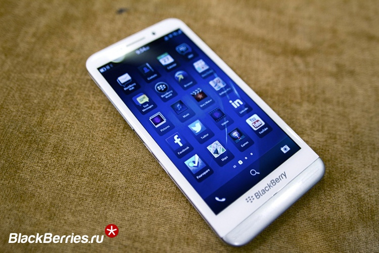 blackberry-z30-white-3b