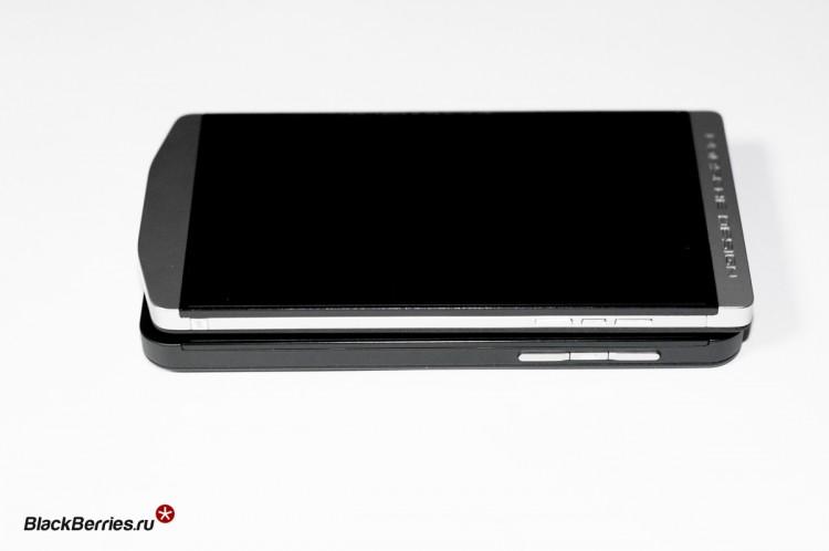 BlackBerry-P9982-vs-Z10-01