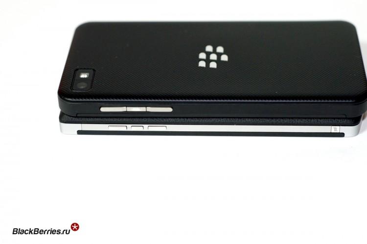 BlackBerry-P9982-vs-Z10-07