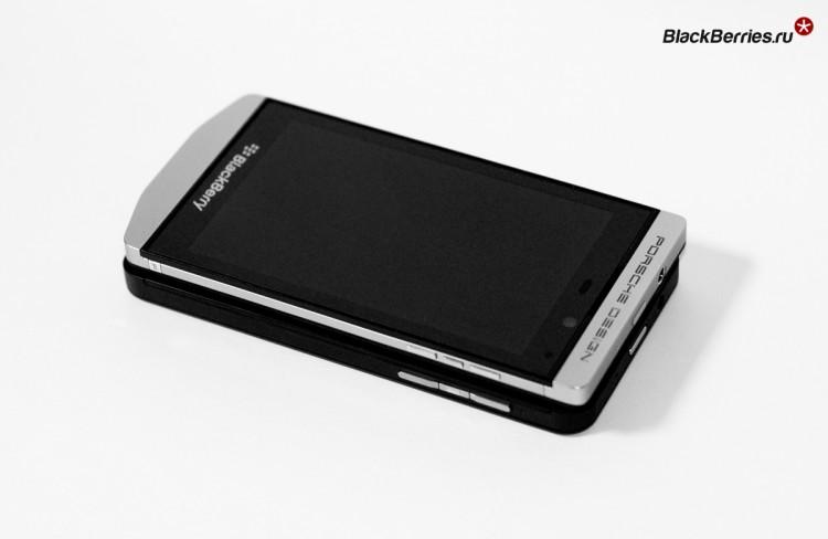 BlackBerry-P9982-vs-Z10-11