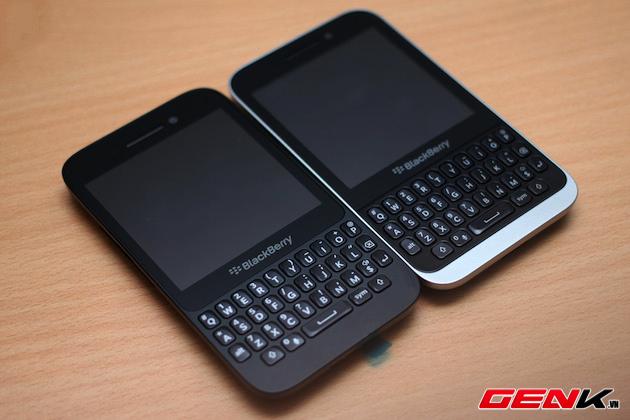 BlackBerry-Kopi-vs-Q5-12