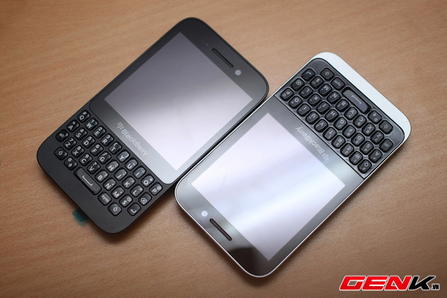 BlackBerry-Kopi-vs-Q5-14