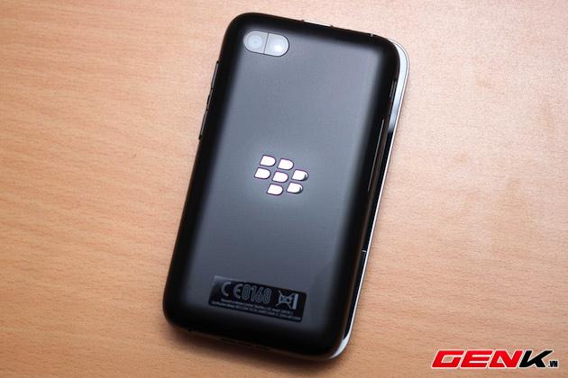 BlackBerry-Kopi-vs-Q5-5