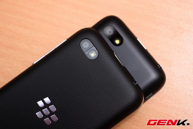 BlackBerry-Kopi-vs-Q5-7