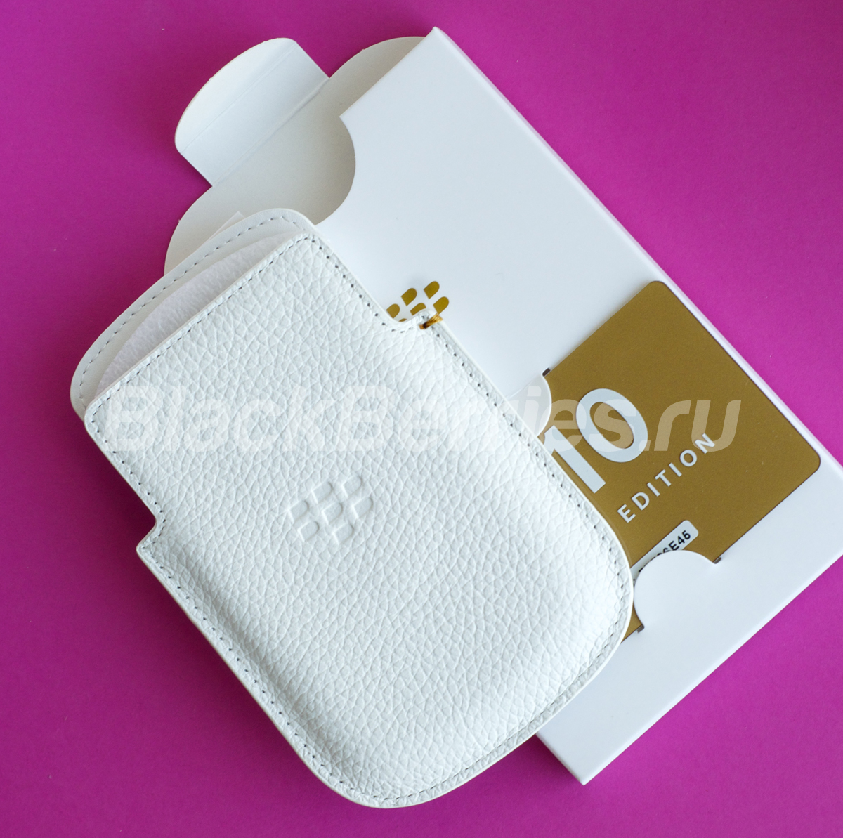 BlackBerry-Q10-Special-Edition-32
