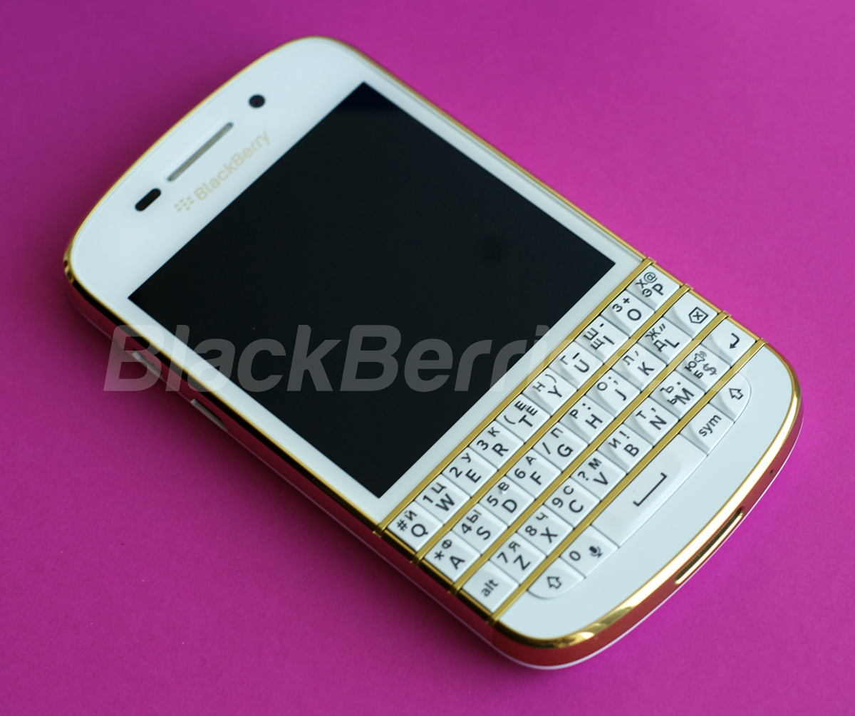 BlackBerry-Q10-Special-Edition-37