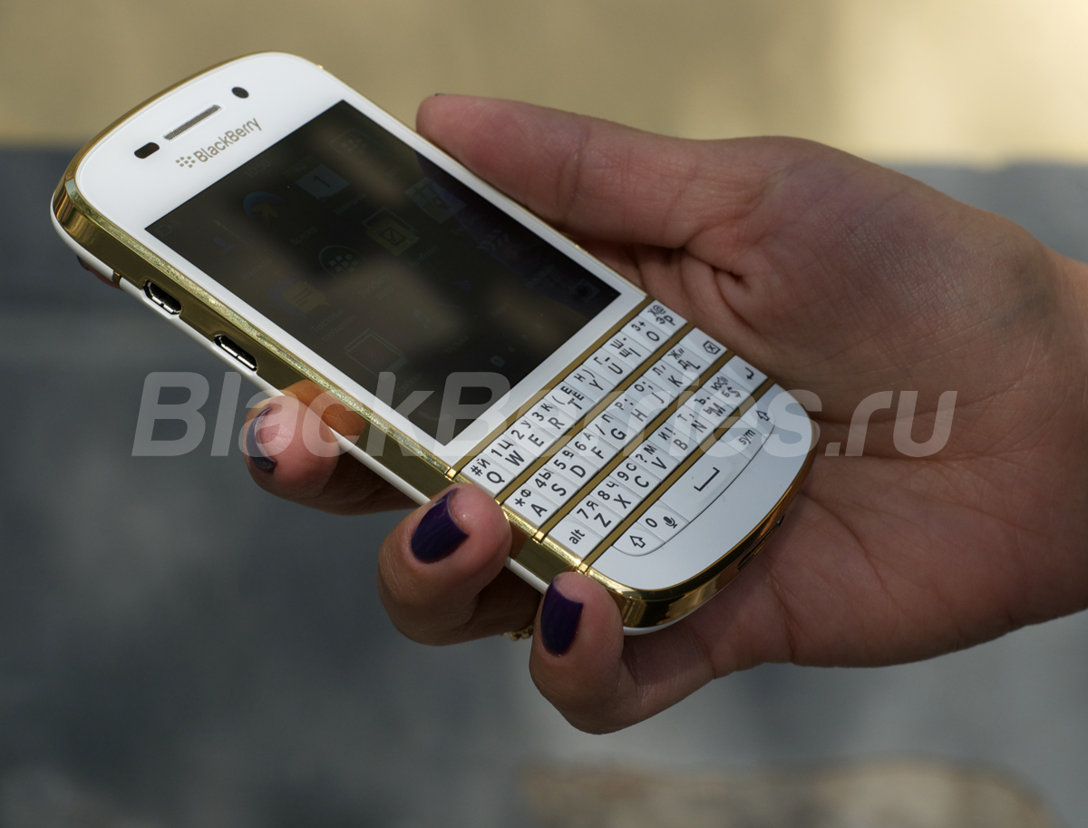 BlackBerry-Q10-Special-Edition-7