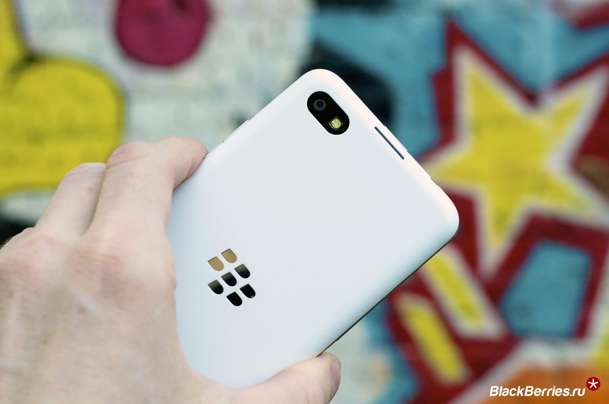 BlackBerry-Z30-White-12