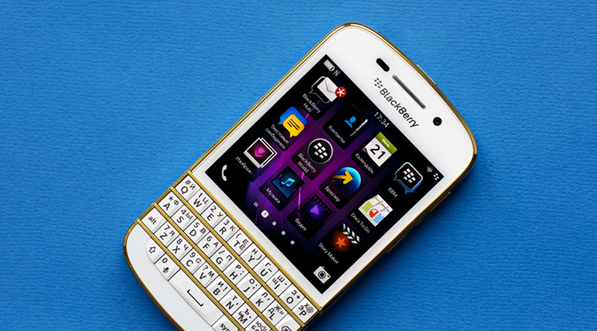 BlackBerry Q10 Special Edition: 34000 рублей