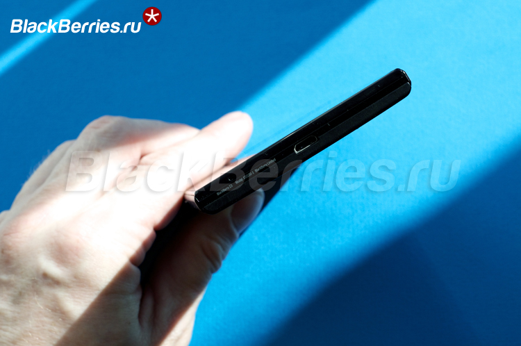 BlackBerry-Z3-bottom