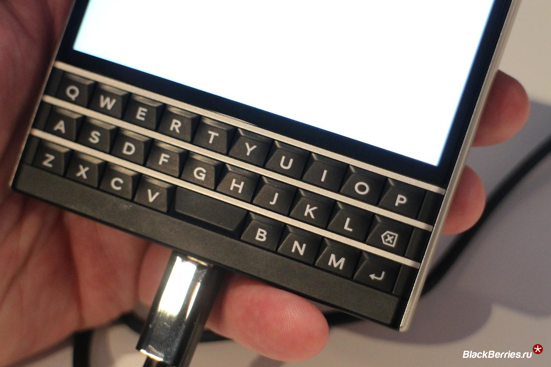 blackberry-passport-keyboard-closeup-1