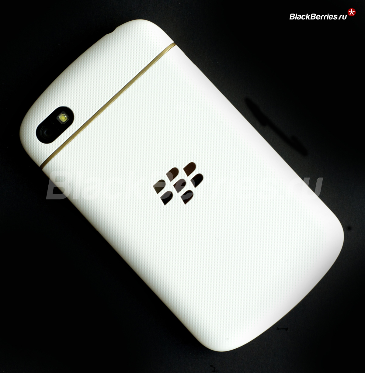 BlackBerry-Q10-Special-Edition-99