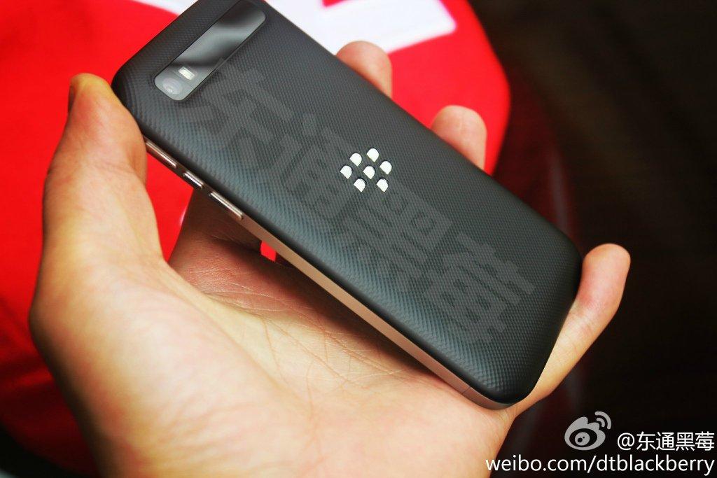 BlackBerry-Classic-back