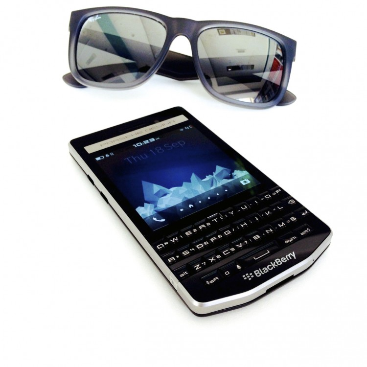 BlackBerry-P9983-1