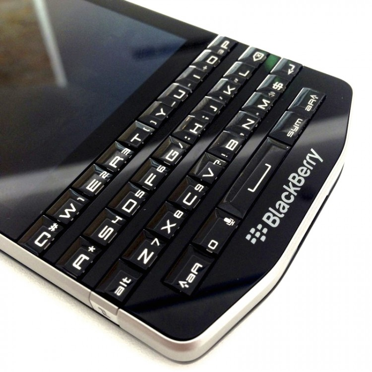 BlackBerry-P9983-6