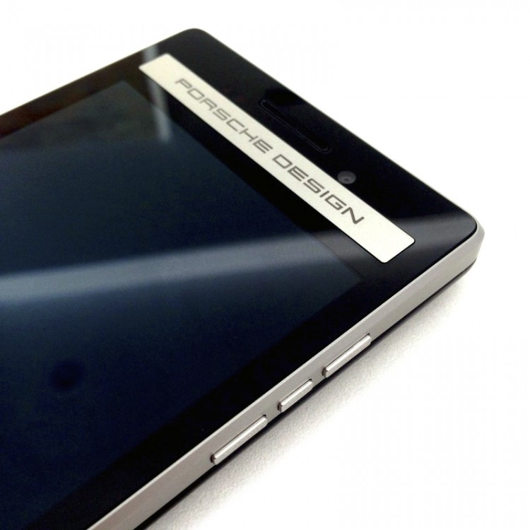 BlackBerry-P9983-7