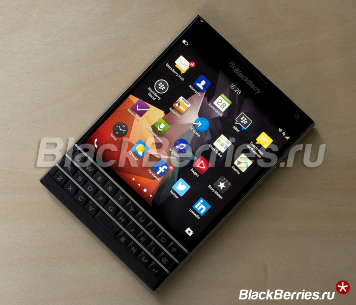 BlackBerry-Passport-Review-11