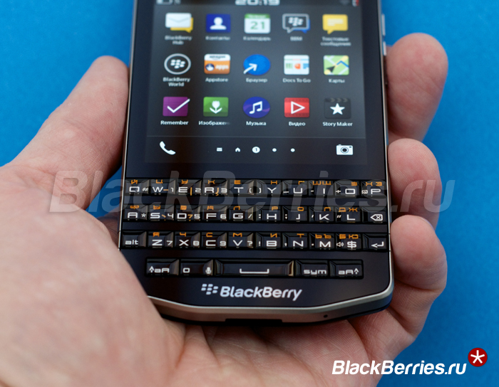 BlackBerry-P9983-rus-4