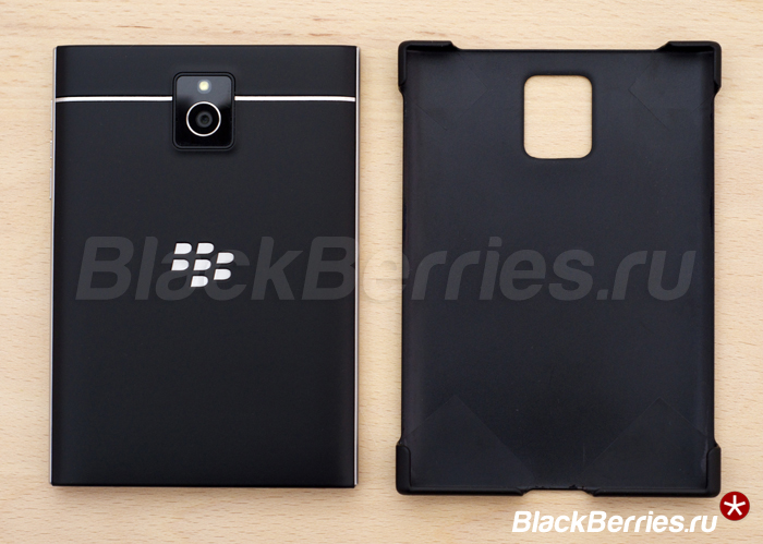 BlackBerry-Passport-Hard-Shell-01