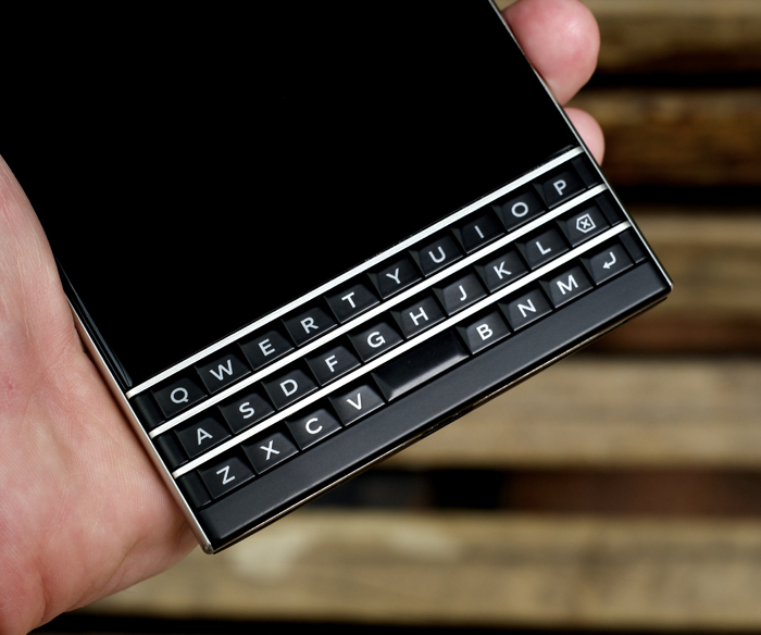 BlackBerry-Passport-Review-27