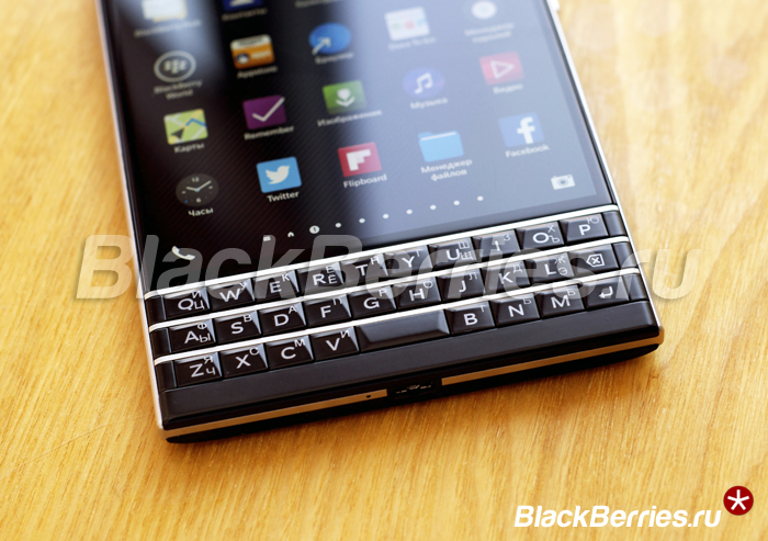 BlackBerry-Passport-10