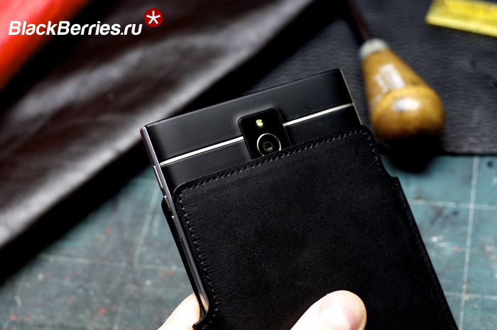 BlackBerry-Passport-Leather-Case-7