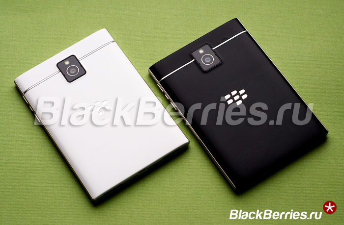 BlackBerry-Passport-White-10