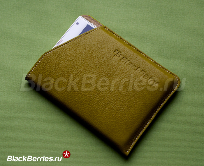 BlackBerry-Passport-White-20