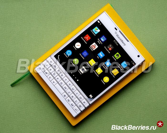 BlackBerry-Passport-White-21