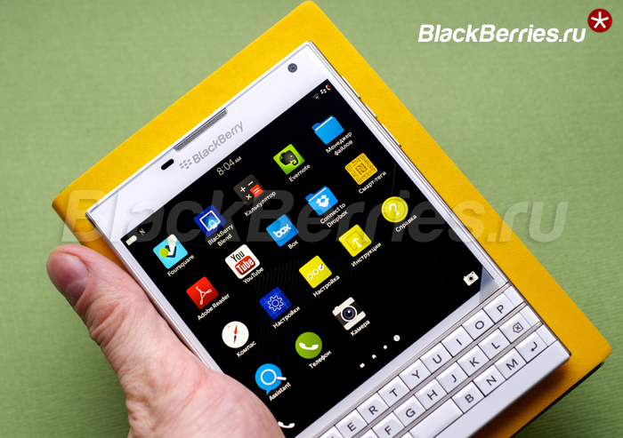 BlackBerry-Passport-White-24