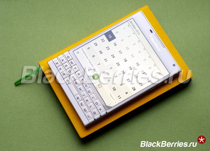 BlackBerry-Passport-White-25