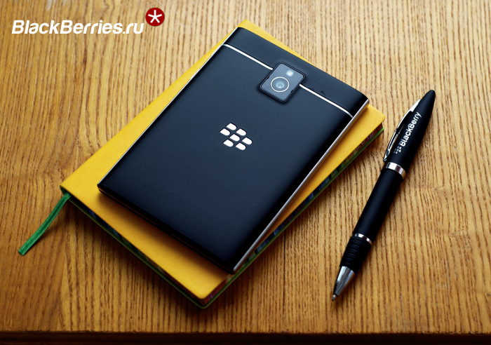 BlackBerry-Classic-vs-Passport-12
