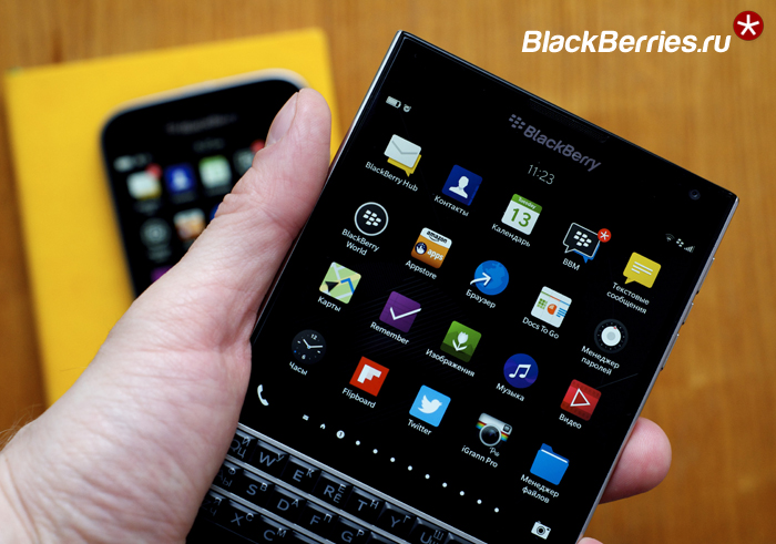 BlackBerry-Classic-vs-Passport-15