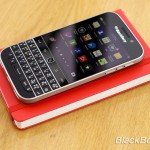 BlackBerry-Classic-vs-iPhone-Q10-Passport-02