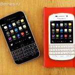 BlackBerry-Classic-vs-iPhone-Q10-Passport-15