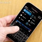 BlackBerry-Classic-vs-iPhone-Q10-Passport-19