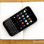 BlackBerry-Classic-vs-iPhone-Q10-Passport-22