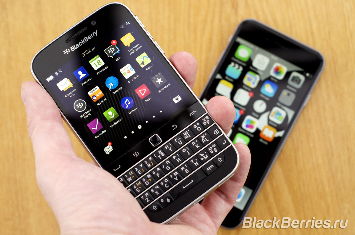 BlackBerry-Classic-vs-iPhone-Q10-Passport-42