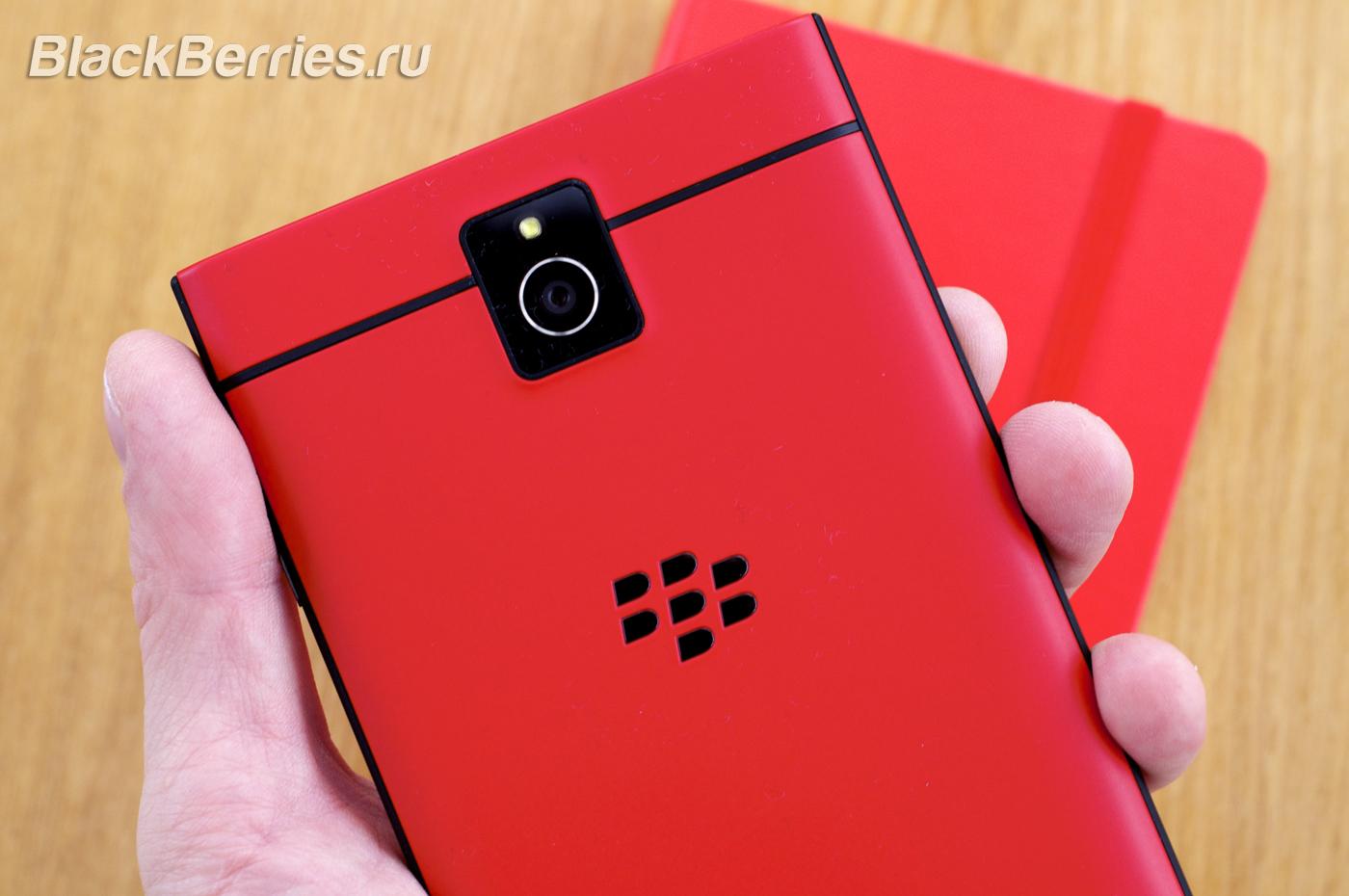 BlackBerry-Passport-Red-25