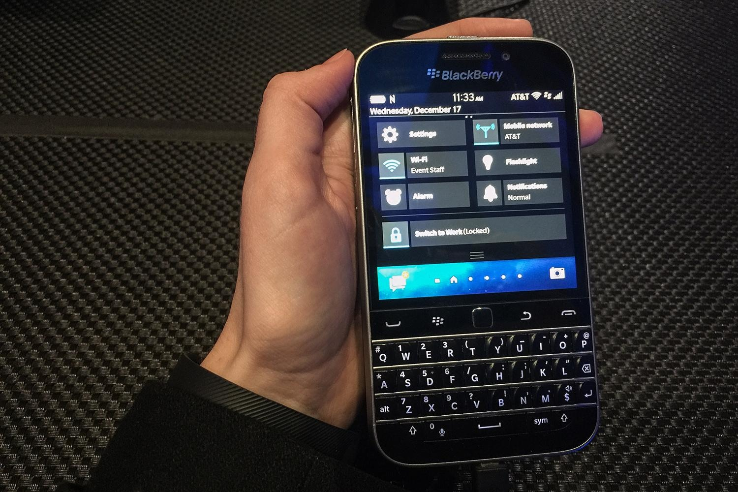 blackberry-classic-hands-on-1