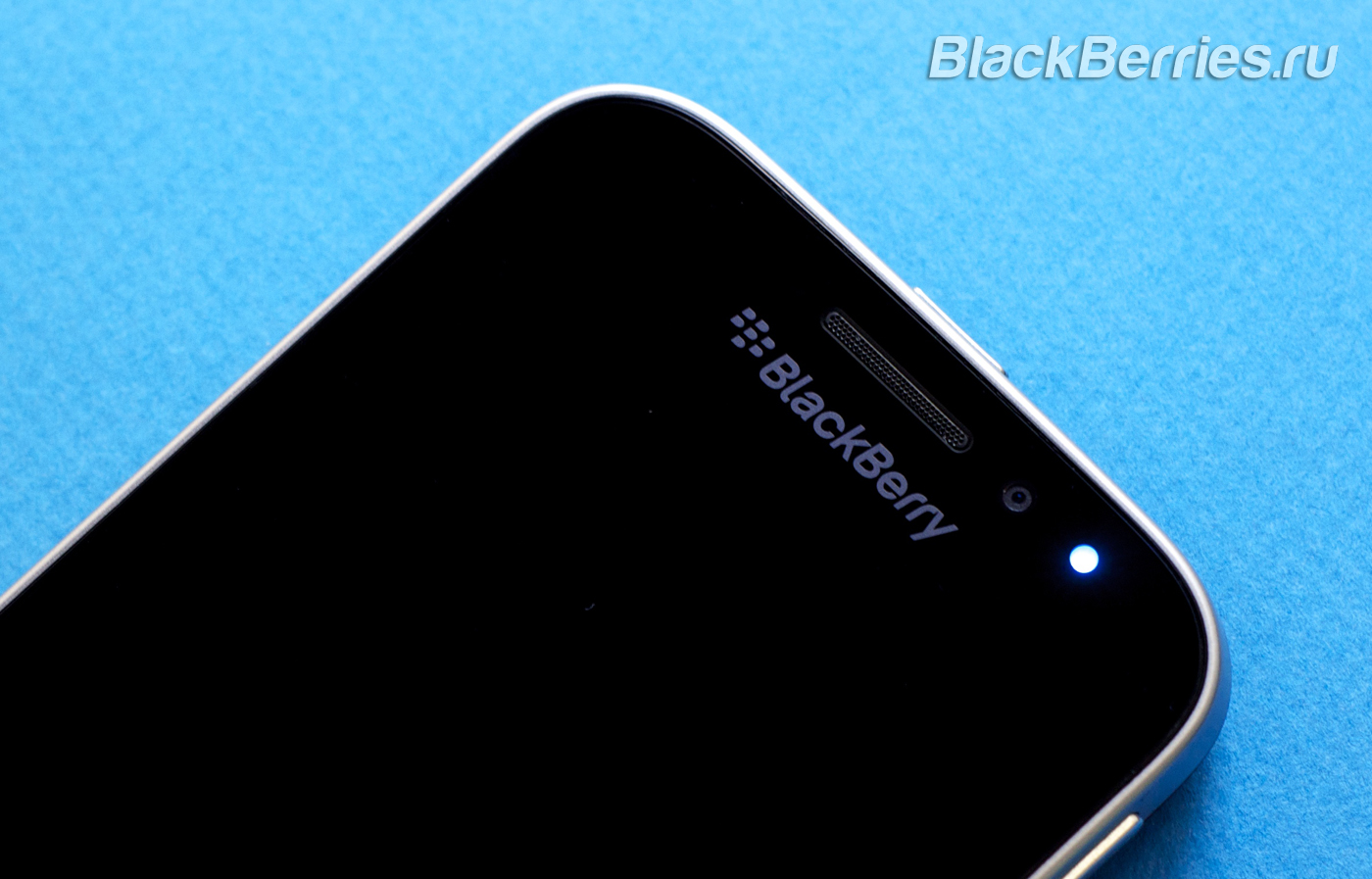 BlackBerry-Blue-Light