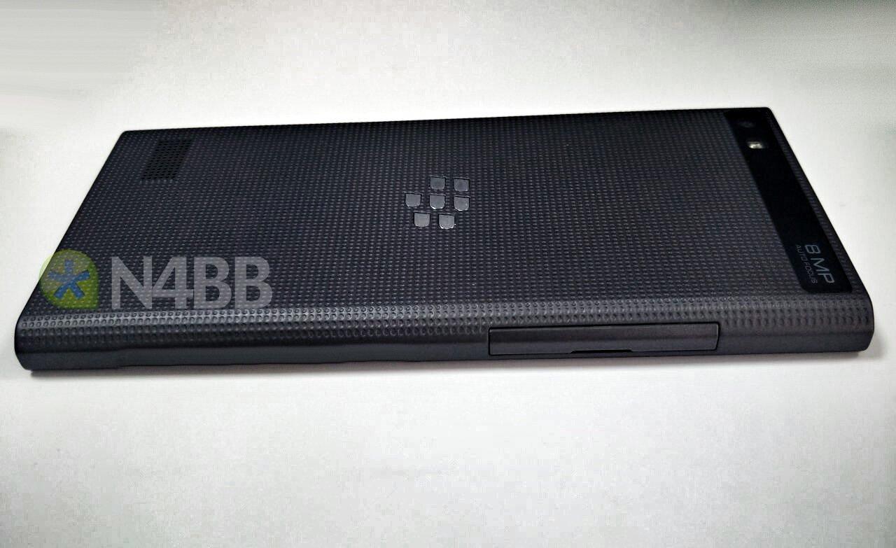 BlackBerry-Leap-15