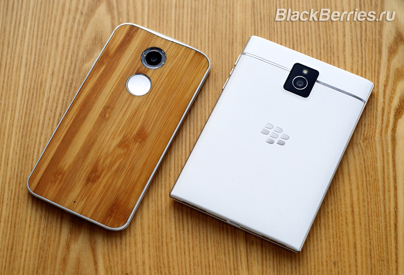 BlackBerry-Passport-Classic-Motorola-Moto-X-16