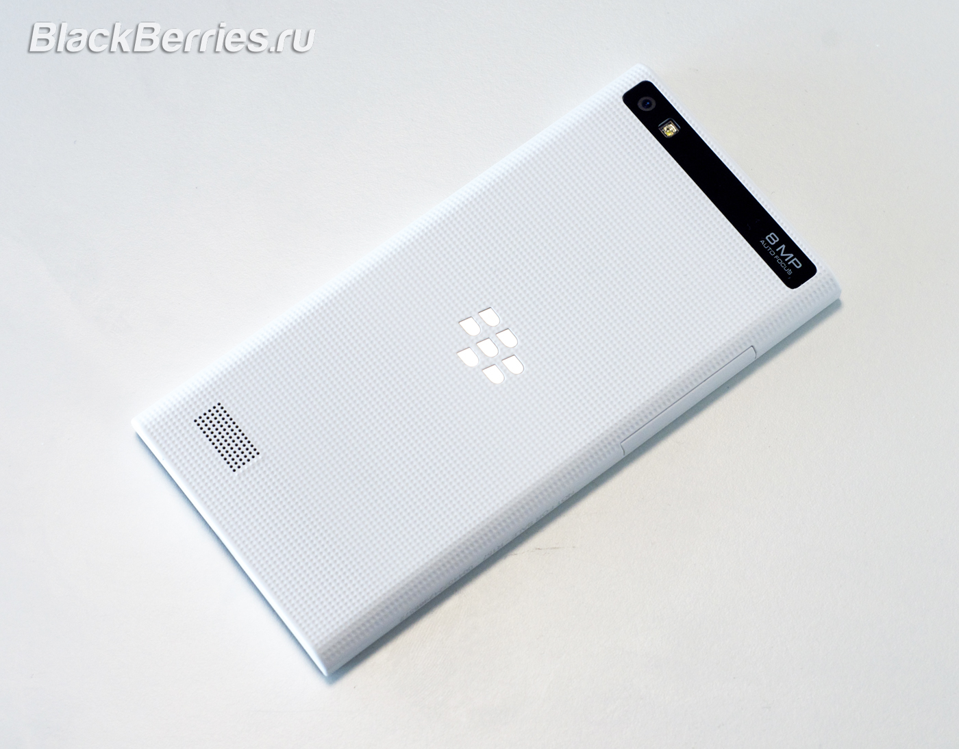 BlackBerry-Leap-16